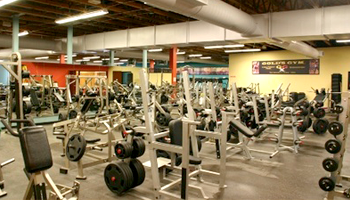 Gold's Gym - Lake Forest Park
